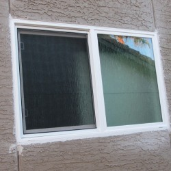 Simonton White Vinyl Window with Rain Glass