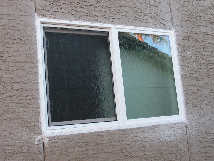 Replacement vinyl windows simonton white vinyl window for Simonton windows